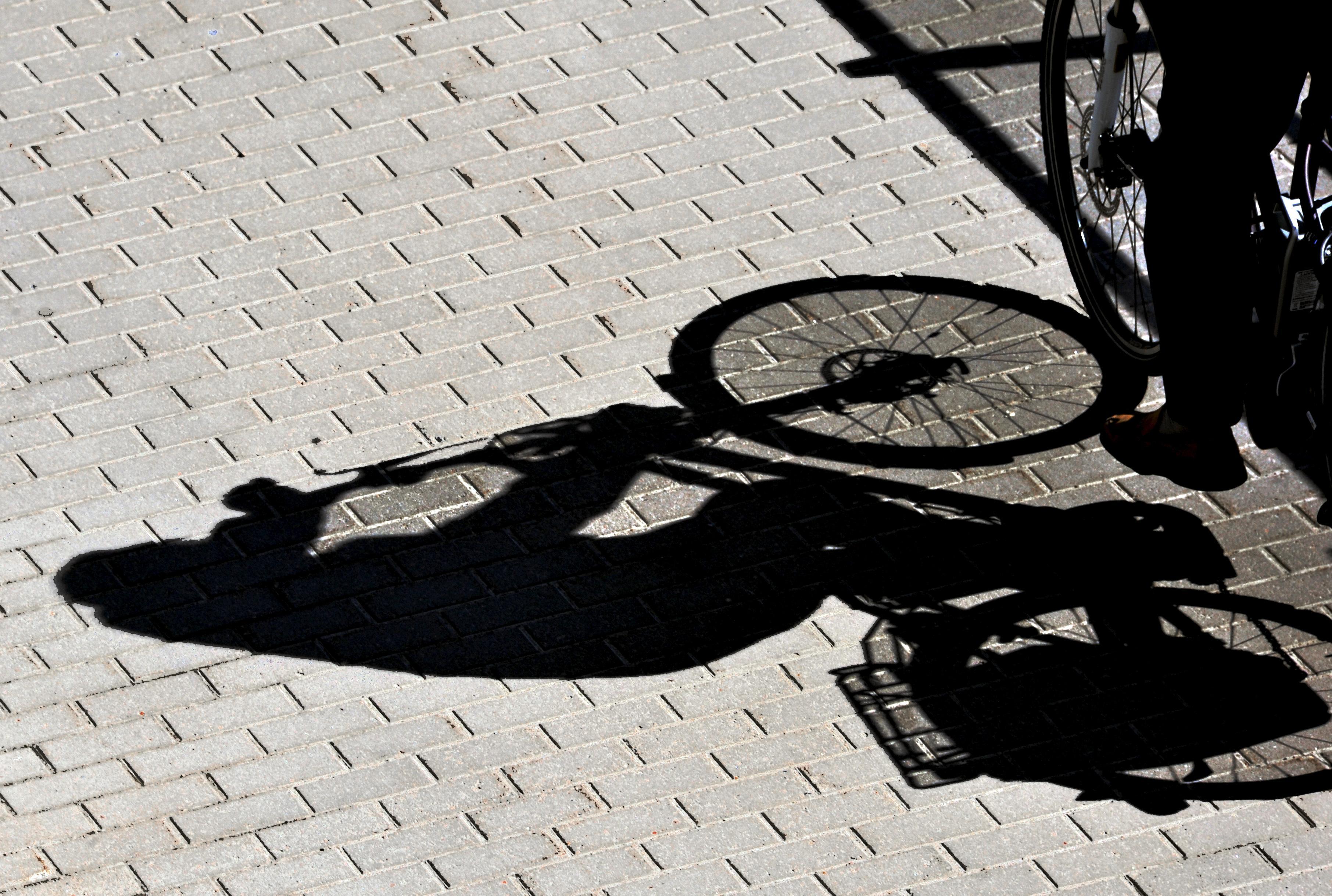 Lastbilschaufför åtalas – körde på cyklist