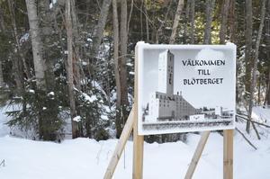 Gruvan i Blötberget lades ner 1979. Nu finns långt gångna planer på att öppna den igen, men att gå in i berget från en plats närmare Skeppmora.