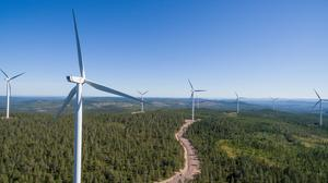 Företaget OX2 har bjudit in företrädare för Köpings kommun till samrådsmöte om en vindkraftsetablering. Bilden är från en annan OX2-park. (Foto: Joakim Lagercrantz)
