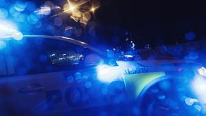"""Inbrott i två Örebrobutiker tidigt i morse – flera polispatruller spanar: """"Blå väska"""""""