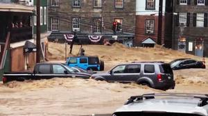 Foto: (Libby Solomon/The Baltimore Sun via AP) I söndags drabbades Ellicott City av  hällregn och efterföljande störtfloder.