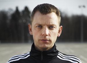 Dramatikern och skådespelaren Mattias Brunn är årets mottagare av Staffan Göthe-priset. Pressbild. Bild: Colombine Teaterförlag
