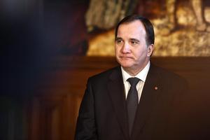 Stefan Löfven (S) kan inte utgå att han ska vara statsminister efter valet, och därför inte heller utgå från att han kommer kunna bjuda in till breda skatteuppgörelser. Foto: Erik Simander.
