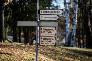Här, i Säter, finns en 100-årig tradition av att ta hand om människor som drabbas av psykisk ohälsa.