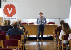 Vänsterpartiets vice ordförande och ekonomiskpolitiska talesperson, Ulla Andersson, gästade Hudiksvall under måndagskvällen.
