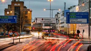 Som ni ser har bilisterna på Västra Nobelgatan väjningsplikt.