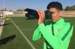 Amir Al-Ammari tog över rollen som fotograf för Jnytt efter måndagens träning.