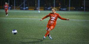 Lejla Basic fick bara tre inhopp i allsvenskan för Kif Örebro 2019, men hon spelade både i DM-finalen mot Hallsberg (bilden) och i svenska cupen-segern mot Västerås BK30.