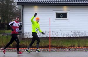 Två av långdistanslöparna var Janne Werner och Jonas Brännmyr. Jonas vann hela loppet genom att springa 28 varv, det vill säga 58,4 kilometer.