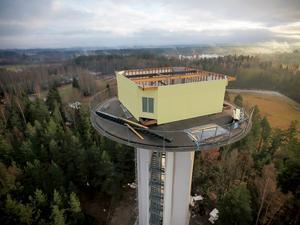 Tony Nordströms plan att bebygga vattentornet i Hagaström med ett hus högst upp börjar ta form. Han räknar med inflyttning till julen 2018. Bild: Pelle Lundgren