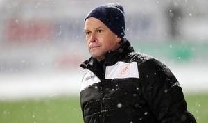 Efter två år som huvudtränare för Ytterhogdal lämnar Adrian Costello beskedet att han inte kommer tillbaka nästa säsong.