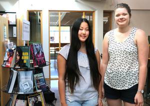 Yun Bergsten och Greta Nilsson läser tredje året vid naturvetenskapliga programmet på Alléskolan och var tidigare med i Allékåren. Det tycker att det är påtagligt att stressen hos unga har ökat.