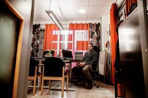 Daniel Nyström på kontoret i Idre.