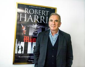 Brittiske författaren Robert Harris som är aktuell med boken
