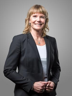 Nybos vd Janette Jardefalk ser fram emot att få bygga bostäder vid gården Älgbostad intill Hökmossbadet.