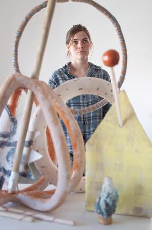 Konstnären Matilda Haritz Svensson vill se fler – inte färre konsthallar i Dalarna. Foto:Privat