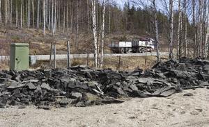 Kommunen ska nu se över vilka åtgärder som ska vidtas för att få bort asfalten.