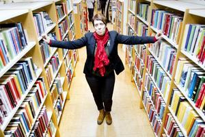"""""""Någonting som jag tror är viktigt att jobba med är att stärka den digitala delaktigheten i samhälle. Det hänger ihop med vårt folkbildande uppdrag"""", säger Maria Törnfeldt, ny biträdande bibliotekschef i Gävle."""