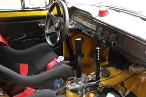 Från den bil som lämnade Torslandaverken för många år sedan återstår i stort sett hastighetsmätaren.