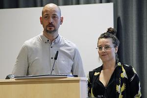 KS-ledamöterna fick ta del av ett fantasieggande och kreativt bildspel, med information om hur Makarna Joakim Hägerstrand och Johanna Hägerstrand Lindvall tänker sig en spaanläggning på Öjeberget.
