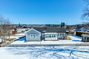 På tionde plats på Dalarnas Klicktoppen för förra veckan kom denna villa på Knutsbovägen i Ludvika kommun. Foto: Carina Heed
