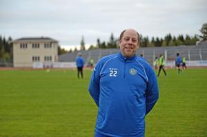 Peter Lind kom till Holms SK från rivalen Indals IF, men tvekade aldrig över att ta sig an uppdraget i klubben.