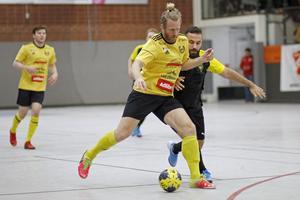 Heby AIF:s Jonas Ahlin var pigg i kvartsfinalen mot DIngtuna. HAIF vann matchen i seniorklassen med 3-1.