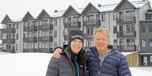 Platschefen Martina Svensson och Jonas Lundblad är förväntansfulla inför årets skidpremiär i Kungsberget.