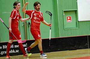 Måns Höglin och Patrik Fransson – målskyttar för Granlo, men det räckte inte. Umeå City vände och vann, till slut med 5–4 efter förlängning.