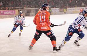 Patrik Nilsson, här från mötet med Villa Lidköping, gjorde sitt första mål för säsongen när han dundrade in ett frislag för 3–1.
