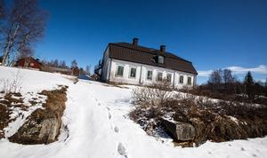 Herrgården har ett äkta herrgårdsspöke  – berättelserna om brukspatron Rinnman som hemsöker övernattande gäster är många.