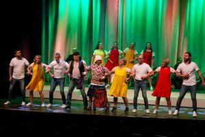Många i Labbåsrevyns ensemble har via Kulturskolan fått möjlighet att utveckla sin konstform inom både dans, sång och musik.