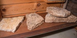 Kalksten kunde i lagom stora bitar hanteras ombord och användas som barlast.
