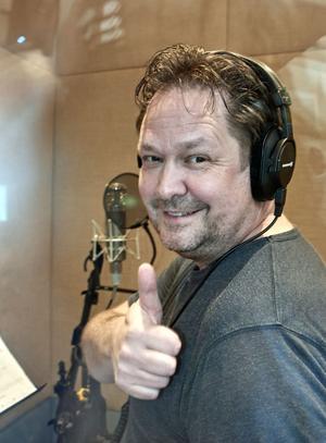 Sångaren Tony Ljungström har skrivit låtarna som läggs ut på Spotify.