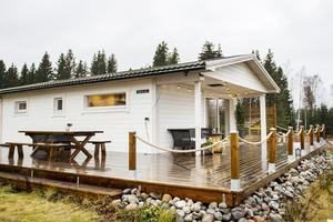 Till våren lämnar Jenny och Robin det ombyggda fritidshuset i Solvik för en  villa i Stora Havstoviken.