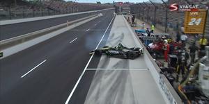 Marcus Ericsson snurrar på vägen in i depån. Foto: Skärmdump/Viaplay