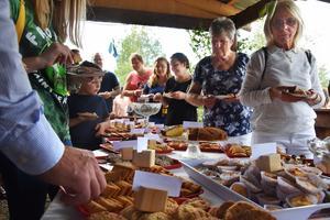 Konsten att välja bland 80 sorters kakor ställs alla inför som besöker kruskalaset i Böle-Hoo.