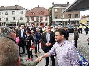 Jimmie Åkesson höll torgmöte utan att hålla tal i Askersund och Laxå på torsdagen och fredagen.