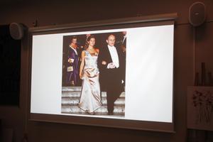 I sällskap av kungligheter, dock via projektor.