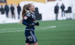 Johanna Axfeldt stod för en bra insats som högerback.