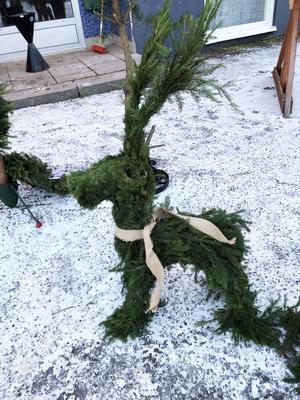 Julbocken från Sollefteå dök upp på marknaden i Ramsele.