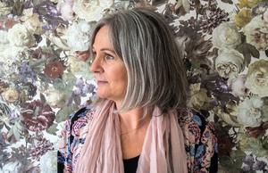 """""""Jag har lärt mig att lyssna på andarna. Jag tyckte själv att det var jättekonstigt i början"""" säger Ann-Charlotte Löfdahl."""