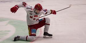 Modostjärnan Patrik Karlkvist njöt av sina tre mål mot SSK. Nu är han fyra i poängligan med 33 poäng.