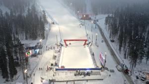 Dimma och duggregn dagen före slalompremiären, men det ska bli minusgrader till helgen.