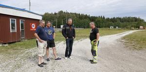 Stefan Törnblom, Andreas Skoglöf, Thobias Rindegren och Kenneth Blixt sitter i SMK Salas styrelse och tycker att det är tråkigt med förstörelsen på deras anläggning i Isätra.