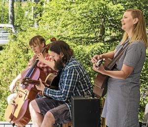 Elsa Fahlén, Nina Nilsson och Johan Nilsson. Foto: Claes Rosenqvist