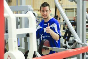 Hampus Bäckvall körde ett lättare pass i gymmet efter den tuffa helgen.