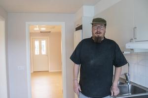 Patrik Nielsen, som jobbar i köket på Dellengården, tyckte mycket om de nya lokalerna och kunde se en framtid då han på äldre dagar flyttar in.