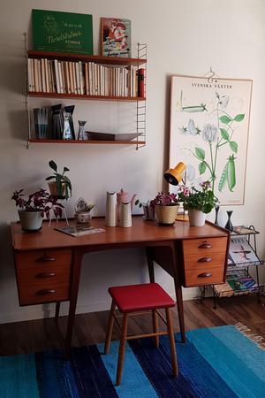 Skrivbordet Uddebo av Svante Skogh suktade hon länge efter innan hon till slut köpte det.