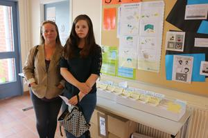 Ann-Charlotte Wennström och Lizette Jansson var två av de som kom till vallokalen på Heby skola.